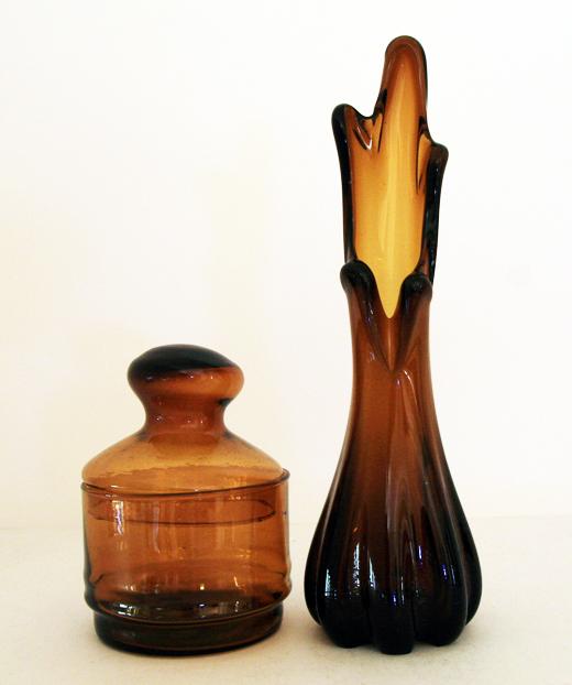 Depression Era Swung Glass Vase In Nutmeg Retro Art Glass