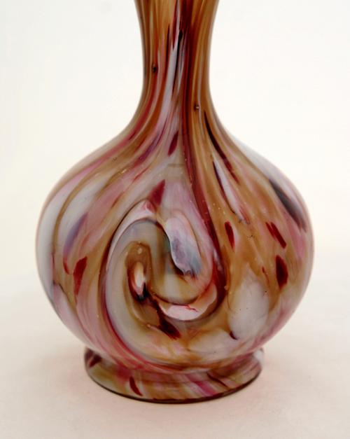 Hand Blown Victorian Art Glass Chalcedony Vase Retro Art Glass